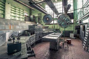 Hãi hùng cảnh tượng trong bệnh viện tâm thần bỏ hoang