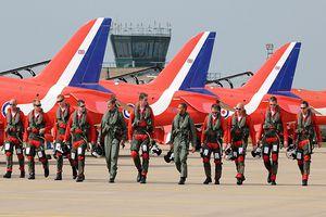 Lai lịch phi đội Red Arrow gây ấn tượng ở Trung Quốc