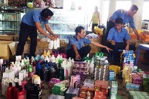 Ban quản lý chợ thu hàng lố tay
