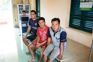 Cứu 3 thuyền viên người nước ngoài gặp nạn trên biển