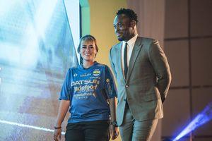 Liga Indonesia cất cánh vì được cựu chủ tịch Barca giúp