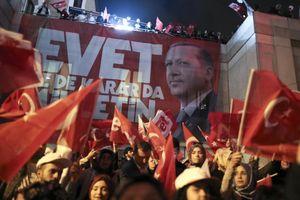 Trưng cầu dân ý Thổ Nhĩ Kỳ: 'Dậy sóng' thắng lợi sít sao