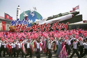 Báo Mỹ 'soi' màn phô diễn tên lửa Triều Tiên