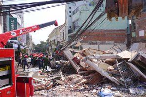 Đào móng xây dựng làm sập nhà giữa phố, một người chết