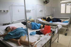 17 người nhập viện sau khi ăn cơm gà ở Đà Nẵng