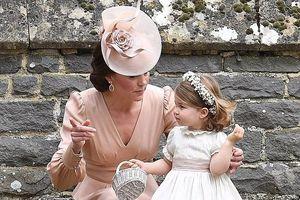 Tiểu hoàng tử và công chúa nước Anh 'làm rộn ràng' đám cưới dì ruột