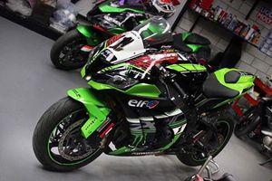 Siêu môtô Kawasaki ZX10R độ xế đua kịch độc tại Sài Gòn