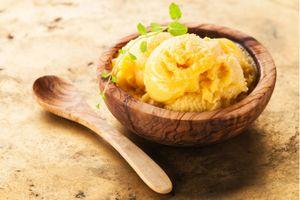 Xua tan nắng nóng với 2 cách làm kem dứa tại nhà tuyệt ngon
