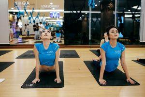 Mâu Thủy và Ngọc Duyên cùng thử thách với bộ môn yoga