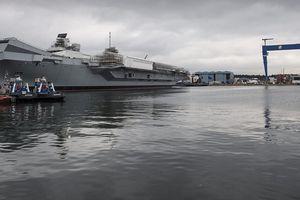 Hàng không mẫu hạm mới của Anh bị Nga theo dõi sát
