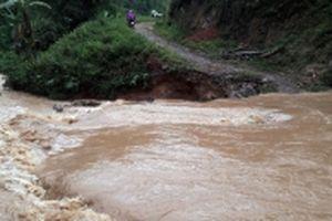 Cần sớm tu sửa các tuyến đường cơ sở sau mưa lũ ở Cao Bằng