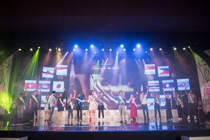 Thí sinh cuộc thi 'Tiếng hát ASEAN+3' vui vẻ luyện tập cho đêm Bán kết