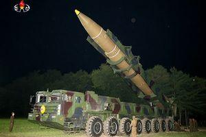 Trước thềm quốc khánh, Triều Tiên di chuyển tên lửa ICBM ra vùng biển phía Tây