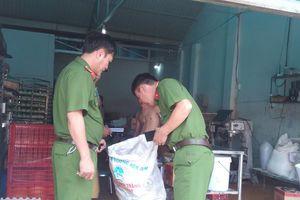 Gia Lai: Cán bộ Bảo hiểm xã hội tỉnh đập phá xưởng bánh của dân