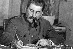 Vì sao Stalin lên đến đỉnh cao quyền lực?
