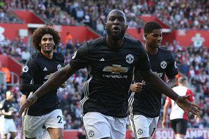 Lukaku tỏa sáng, MU nhọc nhằn đánh bại Southampton