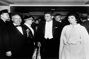 Vén màn bí mật gây sốc về gia tộc Kennedy