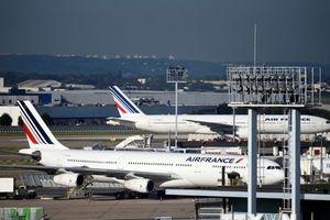 Máy bay A380 của Air France hạ cánh khẩn cấp do lỗi động cơ