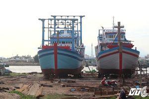 Tàu vỏ gỗ 67 bỏ hoang ở Bình Thuận: Người muốn vay thì không được, kẻ vay được lại ôm tiền bỏ trốn