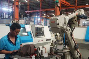 Robot có thay thế công nhân?