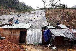 Bắc Trà My (Quảng Nam): Tiếp tục sạt lở vùi lấp 10 căn nhà