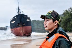 'Nghĩa địa' tàu hàng bị chìm sau bão số 12 ở biển Quy Nhơn