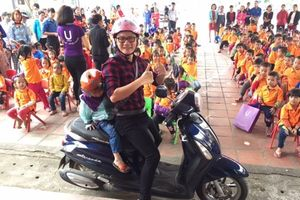 Ca sĩ Hoàng Bách kêu gọi chấm dứt bạo hành đối với phụ nữ và trẻ em gái