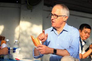 Đi tìm quán bánh mỳ vỉa hè được Thủ tướng Úc ghé thăm dùng bữa sáng
