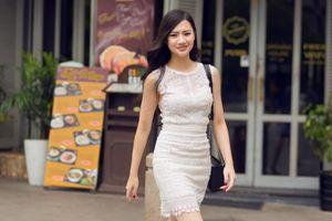 Hoa hậu Quốc Phương khoe vẻ thanh lịch xuống phố
