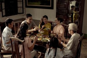 Sao Hà thành nói về gắn kết tình cảm gia đình qua bữa cơm nhà