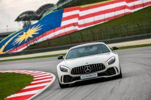 Mercedes-AMG GT R 2017 có mức giá 9,1 tỷ đồng tại Malaysia