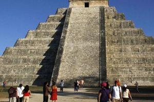 Hầm dưới kim tự tháp ngàn tuổi hé lộ bí mật thần rắn của người Maya