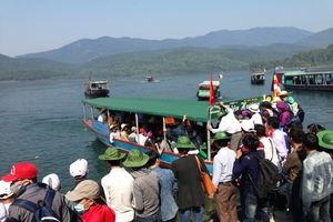 Sau vụ 'Du thuyền triệu đô' không phép: Phát hiện hàng loạt bến thủy nội địa hoạt động chui!