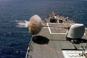 Đạn pháo mới giúp Hải quân Mỹ có hàng trăm tên lửa