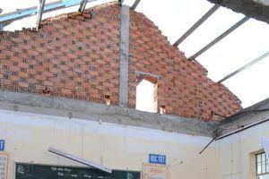 Khánh Hòa: Ám ảnh trường học vẫn ngổn ngang hoang tàn 10 ngày sau bão