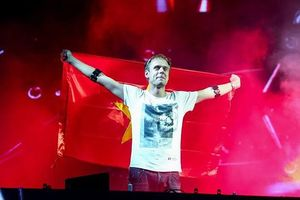 DJ Armin van Buuren biểu diễn ở sân khấu 'khủng' nhất-Vietnam Tomorrow Land