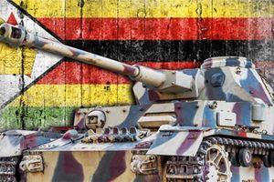 Giá Bitcoin đạt tới 13.500 USD tại Zimbabwe khi xe tăng tràn vào thủ đô