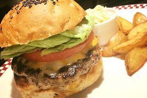 'President Trump Set'- Người Nhật mê món burger kiểu Tổng thống Trump
