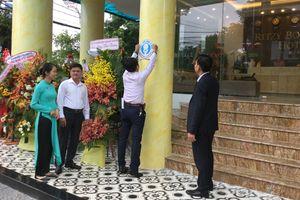 Đà Nẵng: Khách thoải mái xài nhà vệ sinh '5 sao' miễn phí