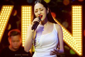 Bảo Anh trình diễn liên tục 10 ca khúc trong đêm nhạc tại Hà Nội