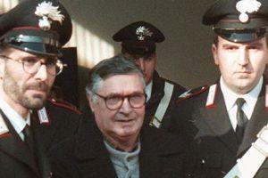 Trùm mafia biến đường phố Ý thành chiến địa
