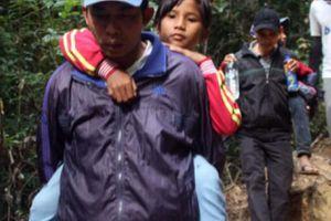 Ngày Nhà giáo VN: Chuyện phi thường ở ngôi trường giữa rừng thẳm