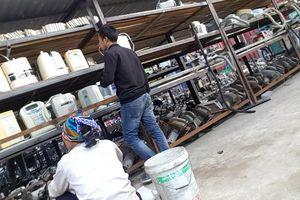 Cận cảnh 'siêu thị đồ Nhật' dưới chân cầu Thăng Long