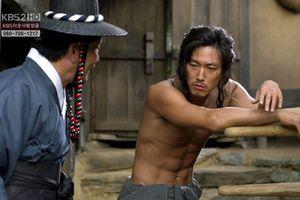 Jang Hyuk từng bị nữ đạo diễn từ chối vì quá điển trai