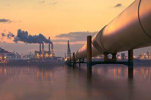 Giá dầu ghi nhận tuần lao dốc mạnh nhất trong 2 tháng