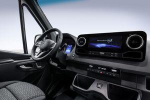 Mercedes-Benz Sprinter lộ nội thất nhiều cải tiến