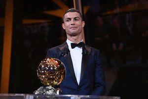 Ronaldo hứng mưa gạch đá vì tự xưng vĩ đại nhất lịch sử