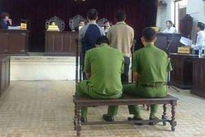 VKSND huyện bất ngờ 'rút' cáo trạng tại tòa
