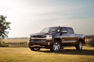 Top 10 ôtô bán chạy nhất tháng 11 ở Mỹ