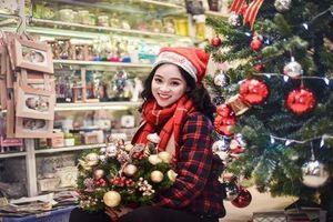 Nữ sinh Nguyễn Bỉnh Khiêm đẹp 'vô đối' trong bộ ảnh Giáng Sinh